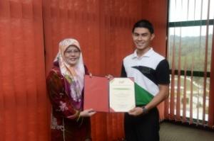 Muhammad Fadzil Afifi menerima Anugerah Kehormat SCOT